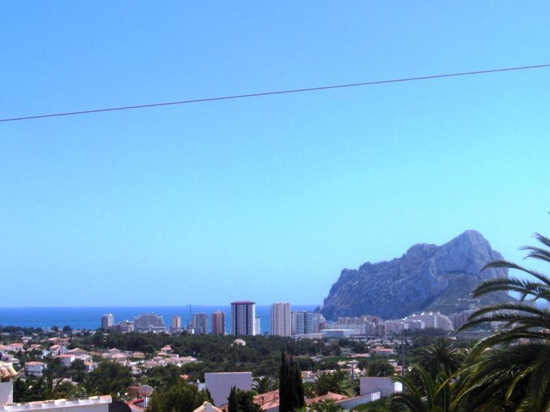 Vista panorâmica do mar da villa