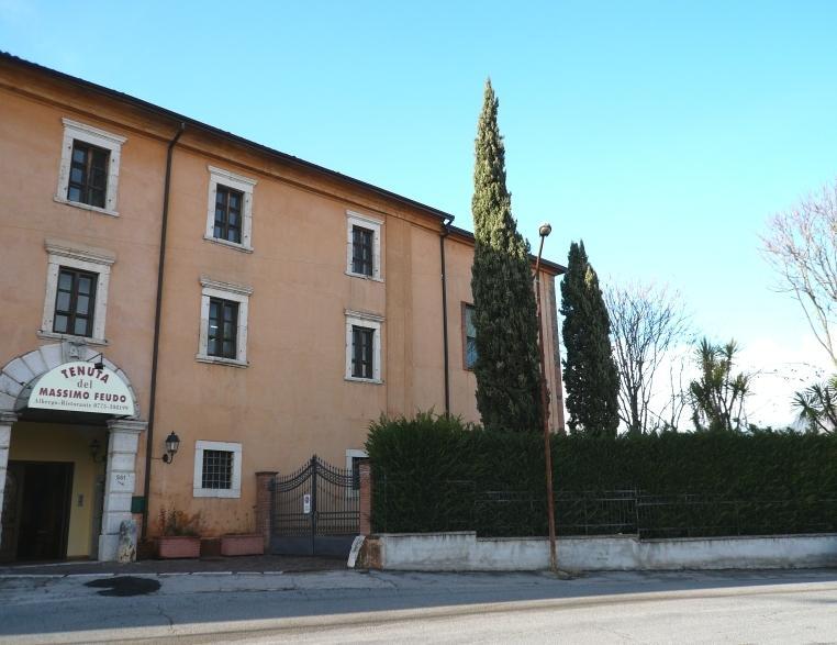 La Tenuta del Massimo Feudo sorge su di una collina nell'agro di Veroli. Ampio parcheggio ester