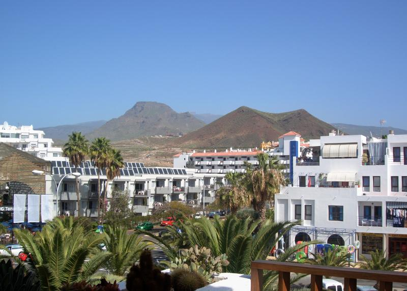 Cristian Sur Beautiful Apartment    Free WIFI, holiday rental in Los Cristianos