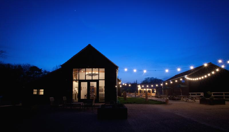River View- luxury barn with gym & spa, holiday rental in Burnham-on-Crouch