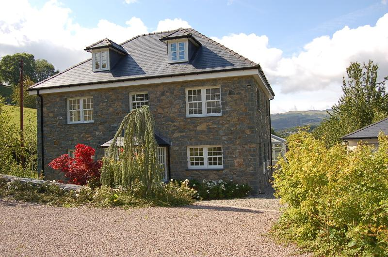 Glan Yr Afon Snowdonia's Premier Holiday Home.