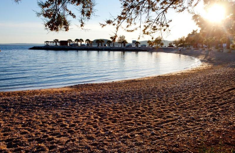 plage de galets à proximité