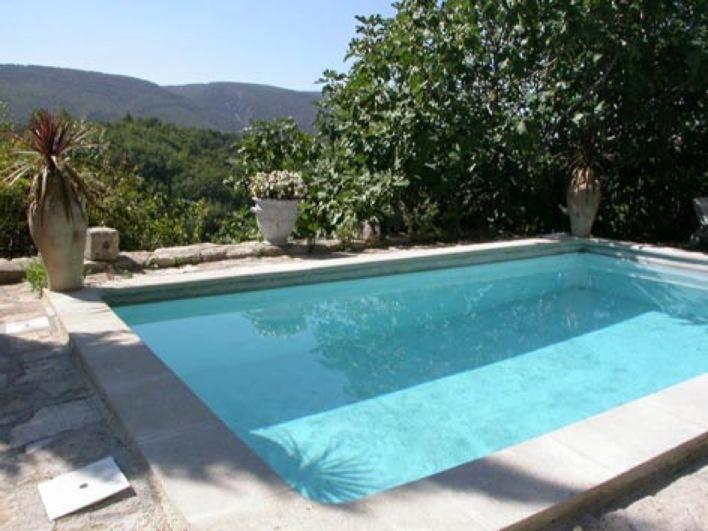 vista a la piscina Luberon