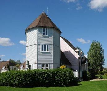 3 bedroom turret lodge