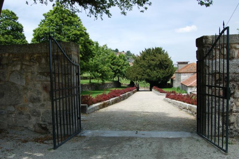 portón