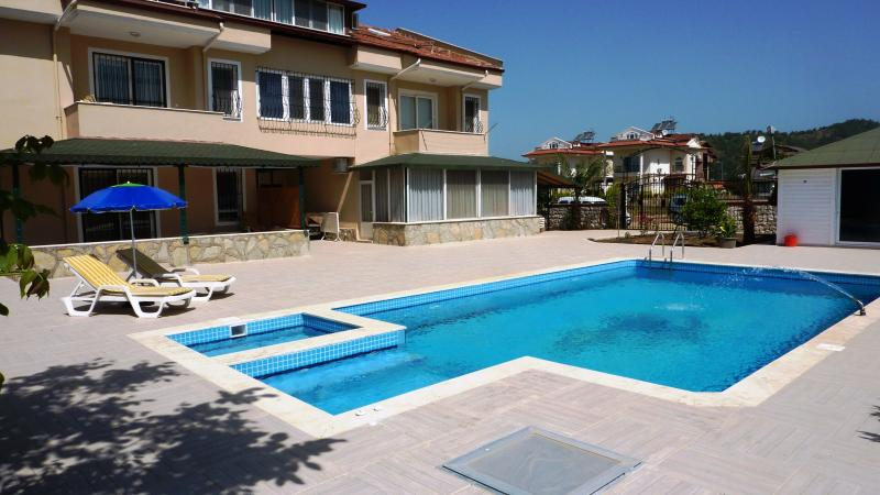calis-beach-apartment-turkish-rentals-ozon-free-auto-control-pool