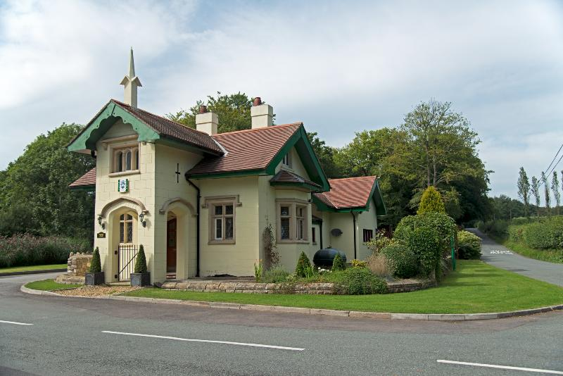 Hafod Lodge, holiday rental in Penarth