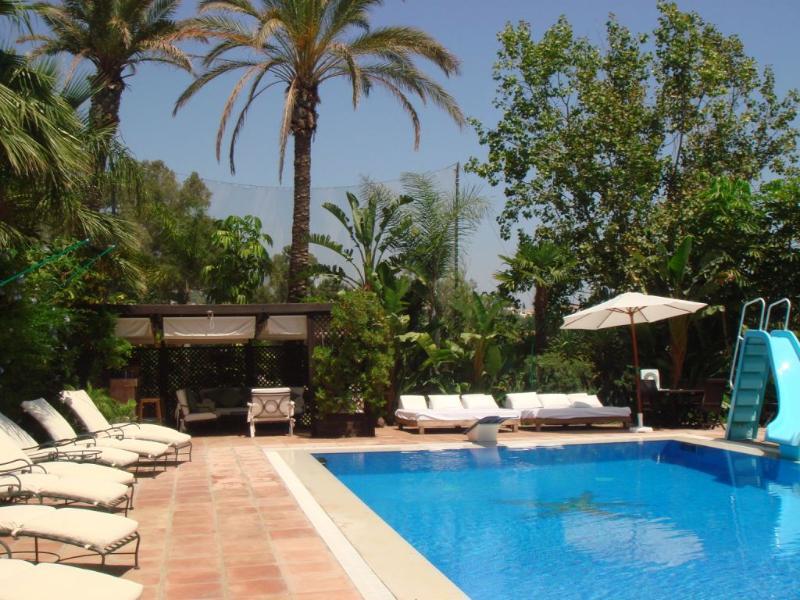 La Buena Vida Pool and Pool Bar Area