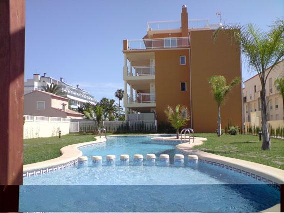 Corner penthouse,terraces all around,wifi,aircon, vacation rental in Denia