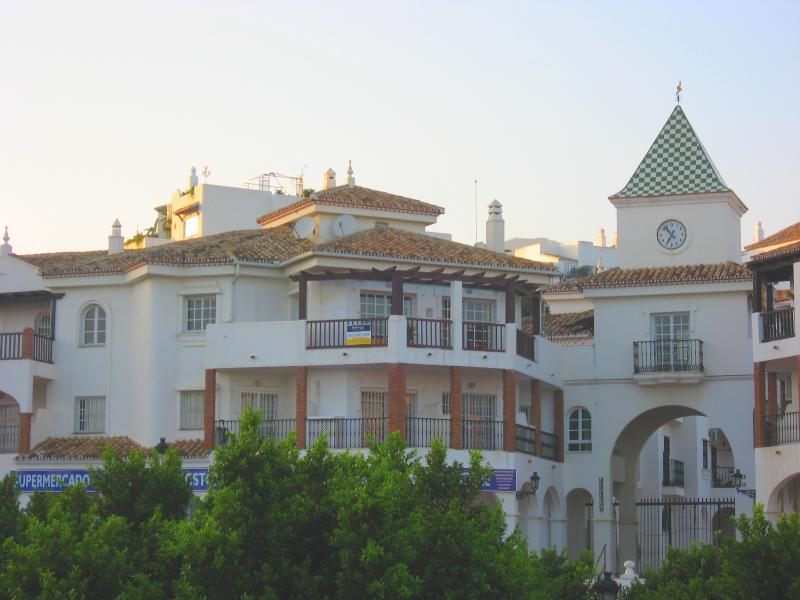 Pueblo Quinta Penthouse, holiday rental in Benalmadena