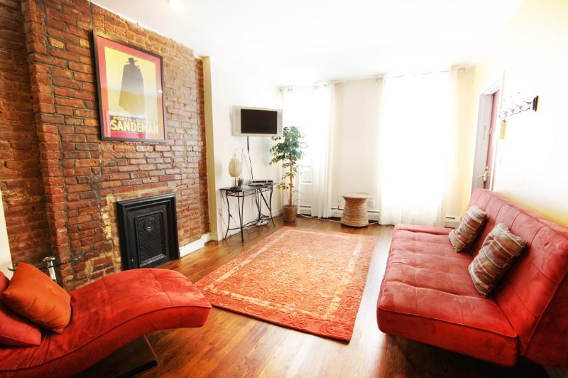 LOVELY 1 BEDROOM FLAT WITH PRIVATE GARDEN AND PATIO