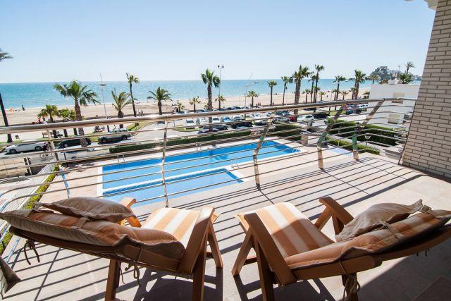 vistas a la playa desde terraza apartamento en Peñiscola