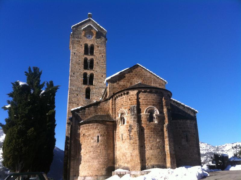 église romane d'UNAC