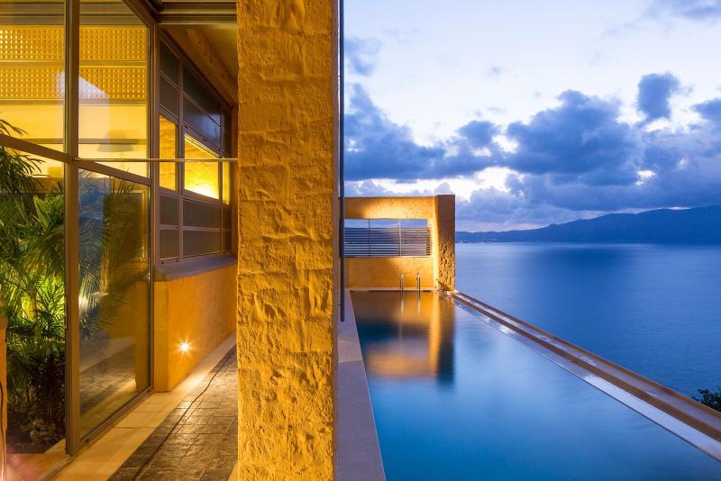 40 square meters infinity swimming pool