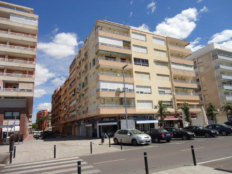Front line building on the marina at Santa Pola, but interior apartment