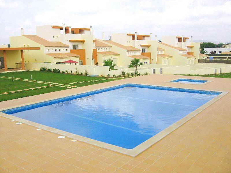 House F, Fonte Santa Village (AL 37251/AL), holiday rental in Faro District