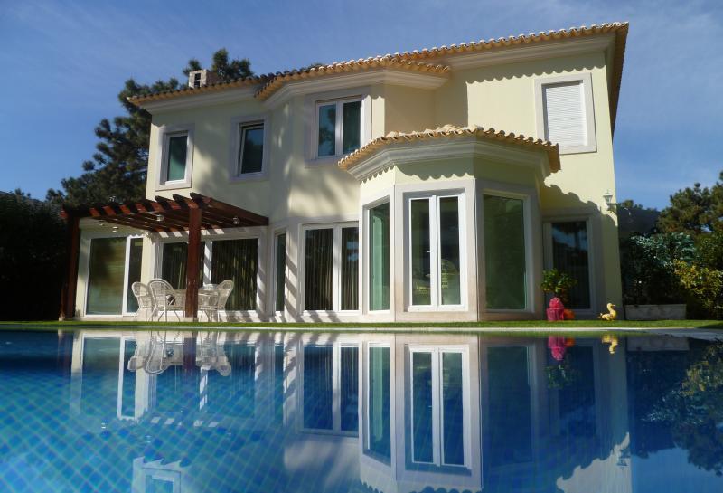 Prachtige luxe Villa (achteraanzicht)