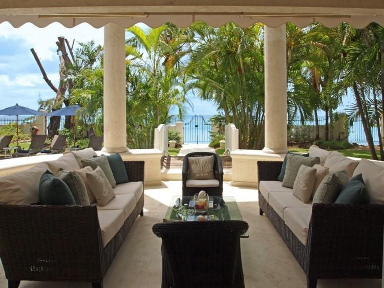 **AMAZING RATES AVAILABLE - PLEASE ASK**Heavens Beach - Beach Front - 4 Bedrooms, holiday rental in Saint James Parish