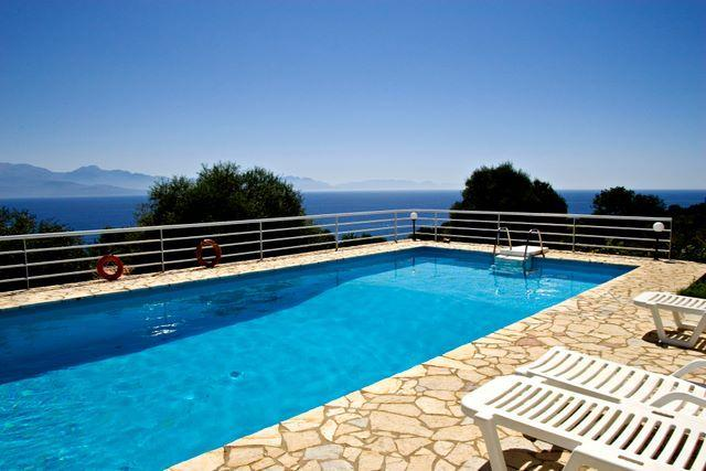 Villa Urania.EOT licensed.Sea View, Private pool., aluguéis de temporada em Kastania