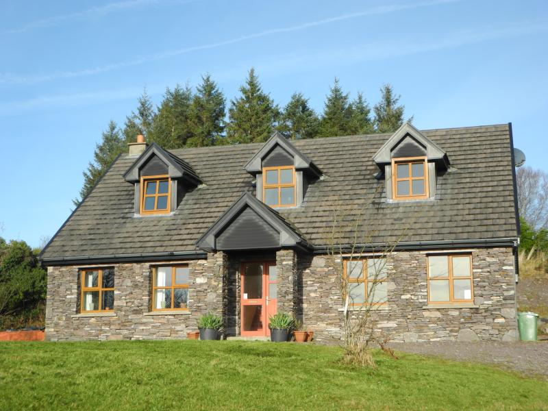 Stone House, holiday rental in Tuosist