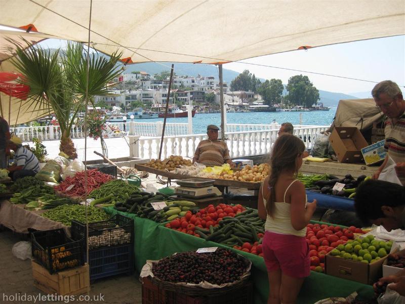 local market (Guvercinlik)