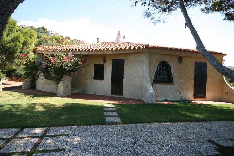 Villa Scarabeo, holiday rental in Maracalagonis