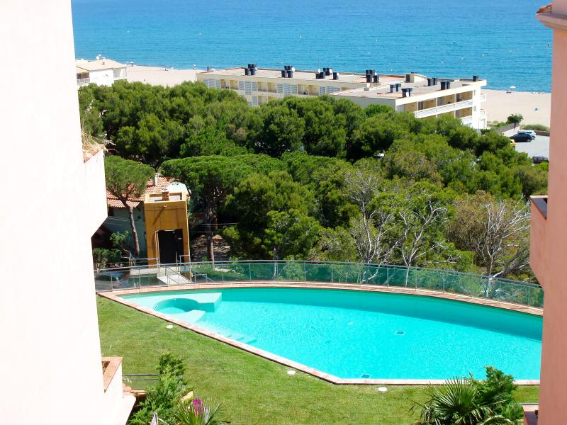 Apartment first line, spectacular sea views. Private Jacuzzi. SA PUNTA COSTA BRAVA