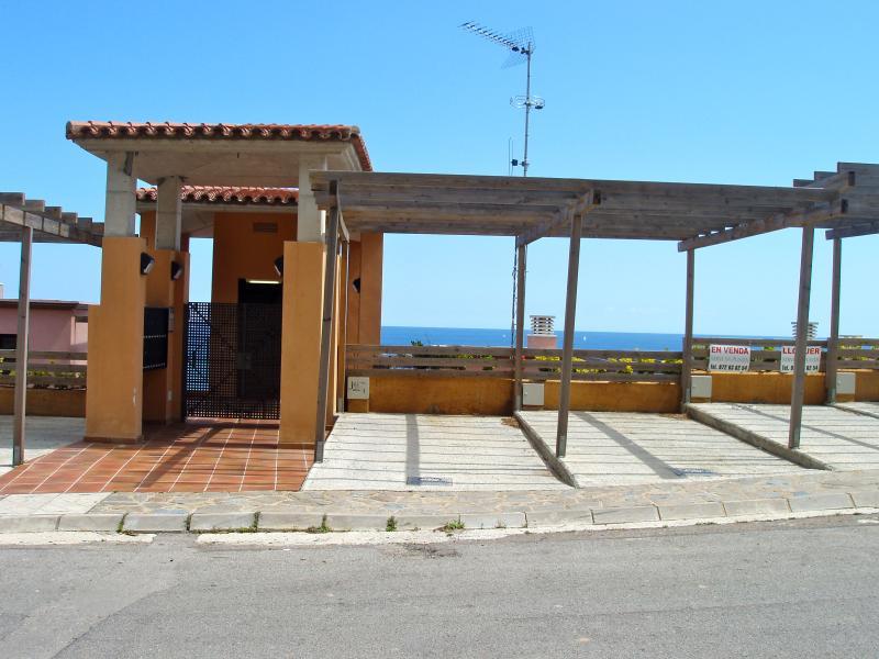 parquing-Apartment first line, spectacular sea views. Private Jacuzzi. SA PUNTA COSTA BRAVA