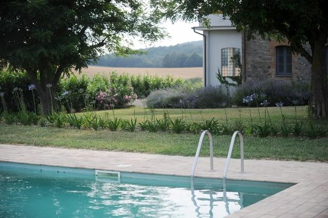 Laguscello has a private 8m x 12m pool overlooking lovely countryside