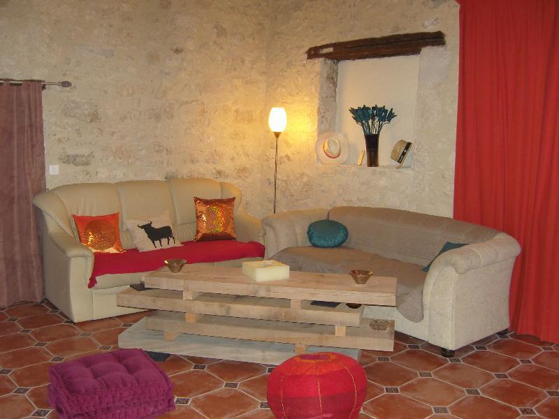 Maison privée 200 m2 8 pers 4  chambres avec piscine 3 sdb tout confort  idéal  famille