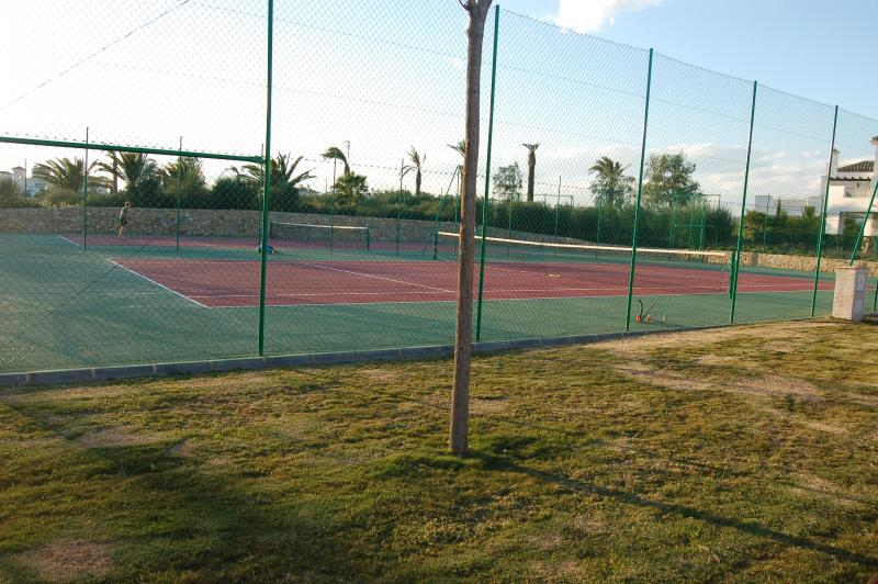 Tennis at La Torre