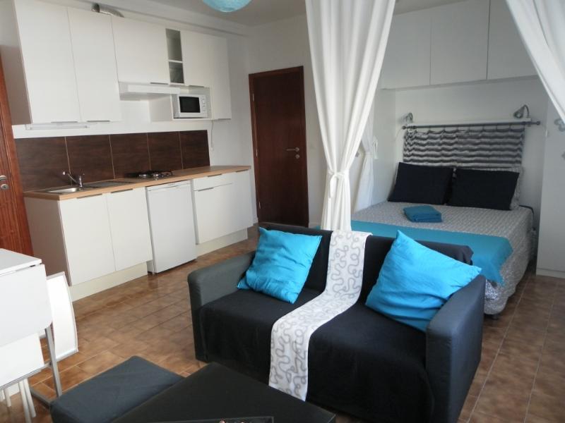 Studio Azul 100m da Praia Peniche, vacation rental in Peniche