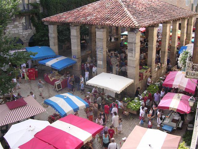 St-Antonin's popular sunday market