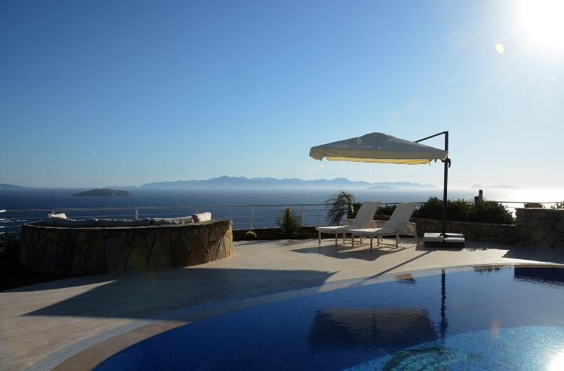 Joy's private pool and views to the Greek Islands
