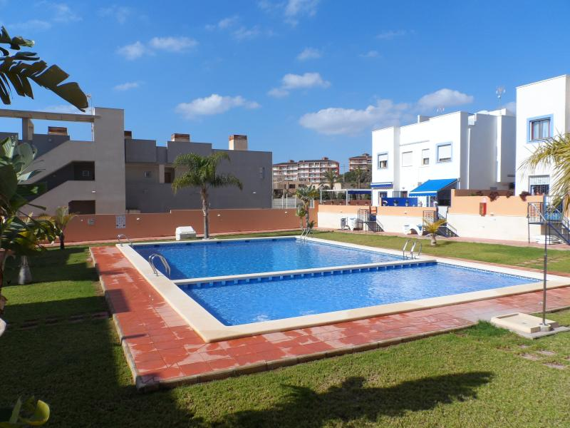 communal pool & gardens, private access to 20 properties only