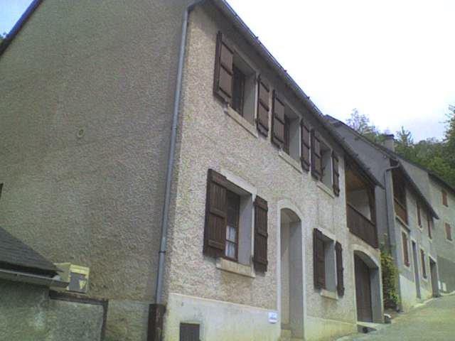 RdC de cette maison sur une impasse privée allant au Château Ste Marie à Esquièze-Sere