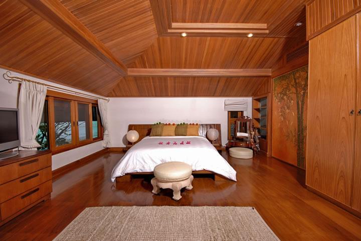 dormitorio principal con vista al mar de 2 pisos