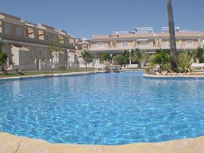El Divino piscina, Apartamento ático con vistas a esta hermosa piscina y jardín