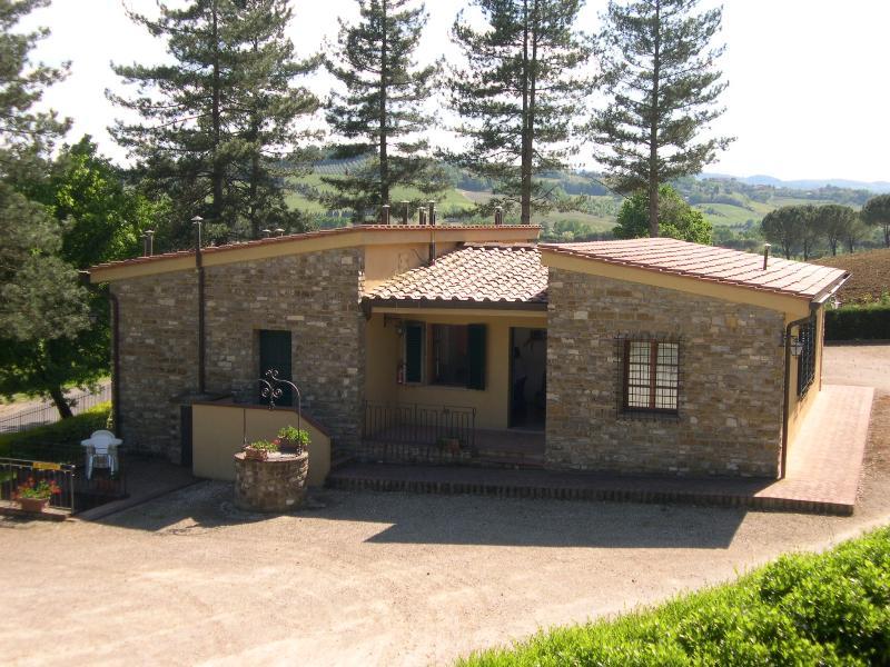APPARTAMENT SCUOLA 1  AVANELLA tuscany holiday, vakantiewoning in Ulignano