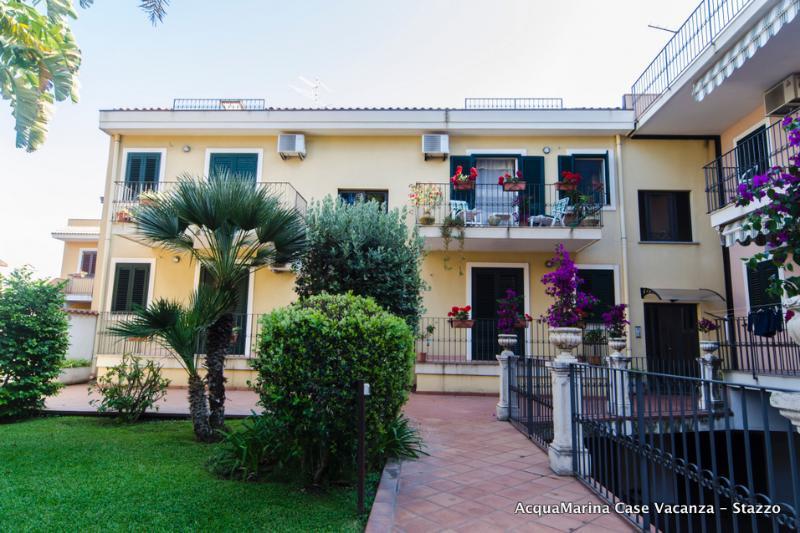Montagna - AcquaMarinA Case, holiday rental in Scillichenti
