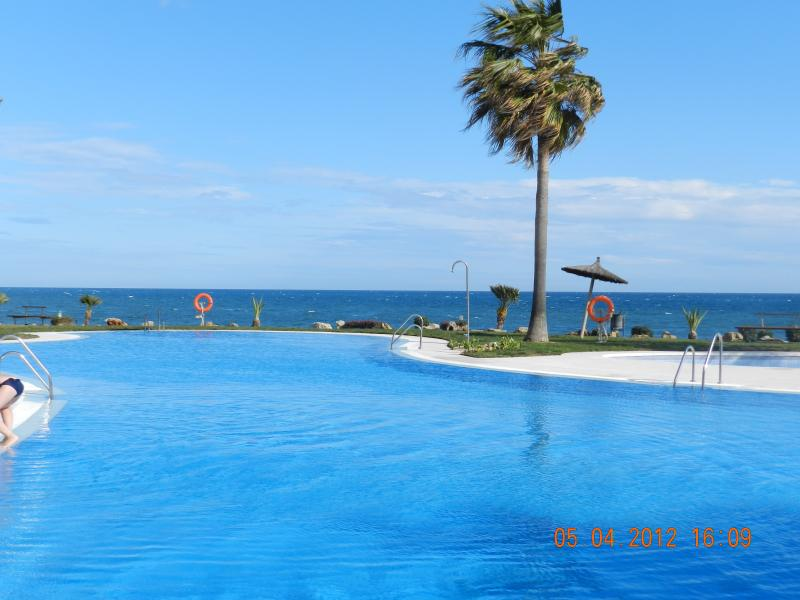 MICAPRICHO BEACHFRONT, vacation rental in Sitio de Calahonda