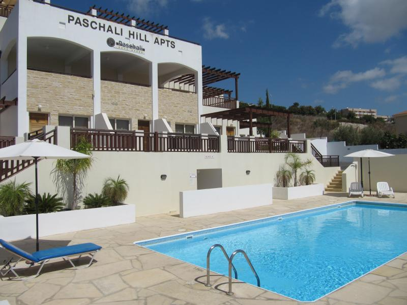 Paschalli Hills with fantastic sea views, pool side loungers, gym, sauna, full pool side facilities