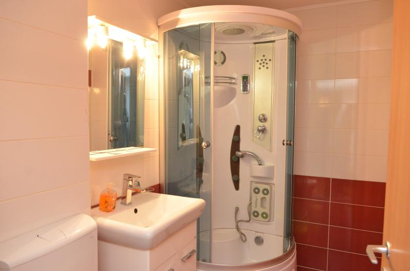 Bathroom Exalco 3