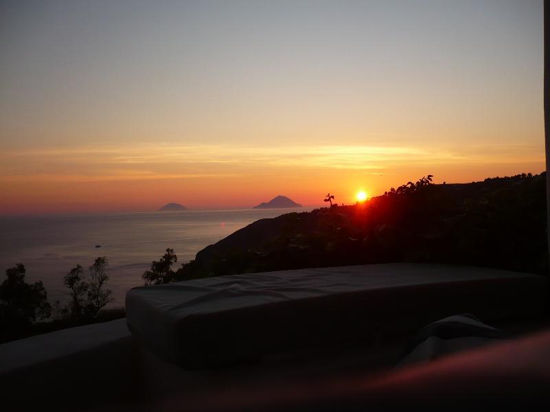 chalet increibles vista mar, vacation rental in Aeolian Islands