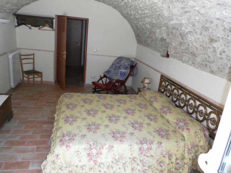 Double room with arched stone ceiling