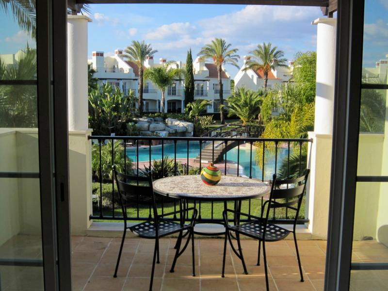 Luxury Apartment in Palmyra (5 Mins From Vilamoura Marina, Algarve), alquiler de vacaciones en Quarteira