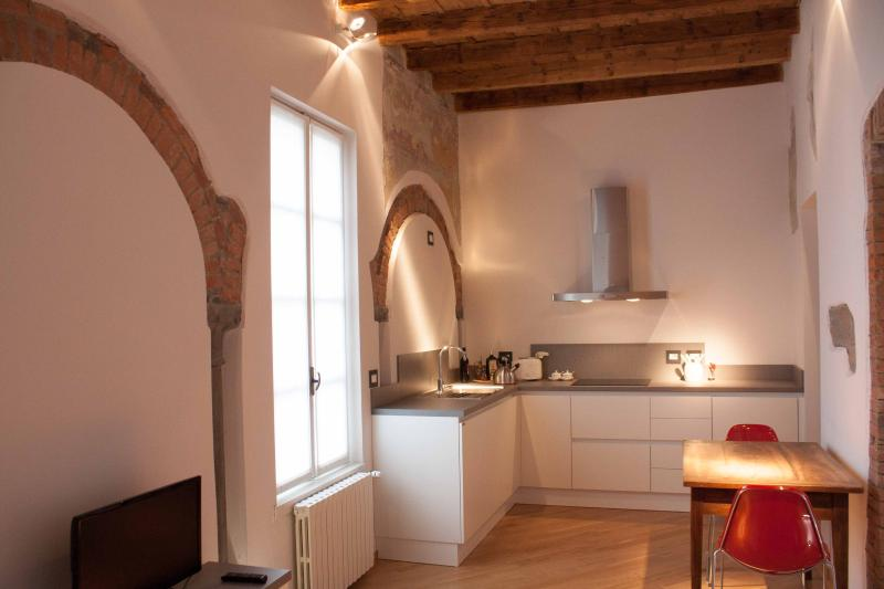 Elegante appartamento nel centro storico di Bergam, vacation rental in Torre de' Roveri
