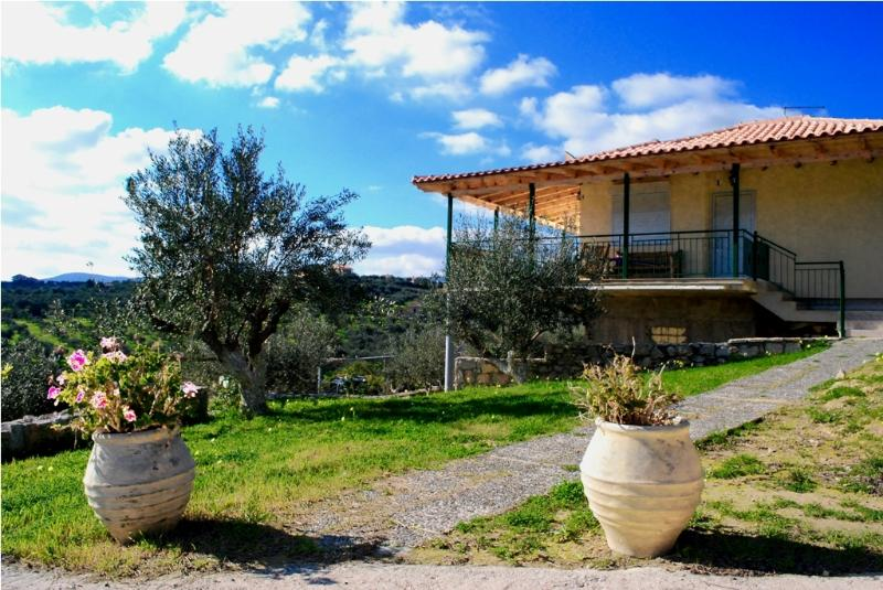 4 Villa Dimitra!!!, vacation rental in Koroni
