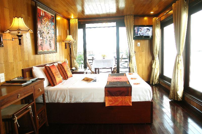 Royal cabin