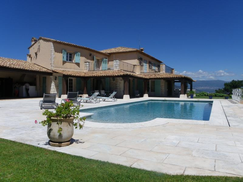 the villa and its pool
